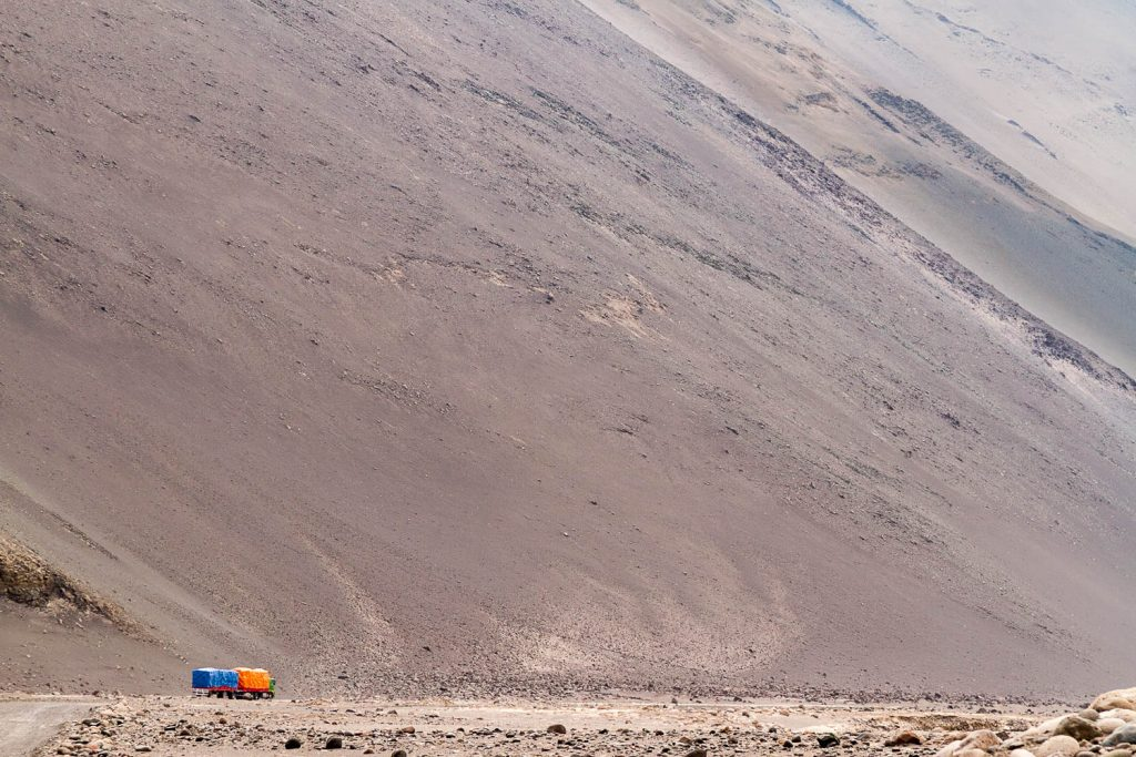 Big country heading to Arica, descending from Atacama